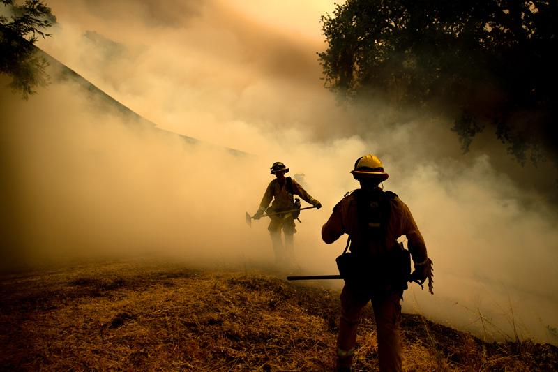 Alena Kutumian: Mendocino Complex Fire (Noah Berger)